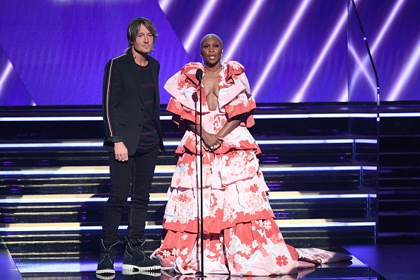 Two-Toned Dress「62nd Annual GRAMMY Awards - Show」:写真・画像(14)[壁紙.com]