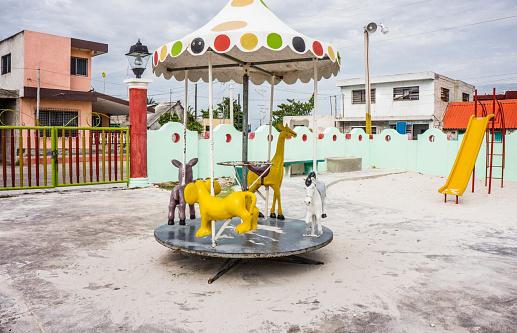 Giraffe「Abandoned carousel」:スマホ壁紙(5)