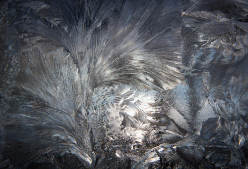Frozen「Austria, Window covered with Ice crystal, close up」:スマホ壁紙(5)