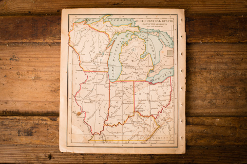 Historical Document「Old, Color Map of North Central States, Sitting on Trunk」:スマホ壁紙(11)