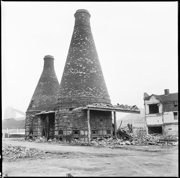 Obsolete「Bottle Kilns」:写真・画像(17)[壁紙.com]