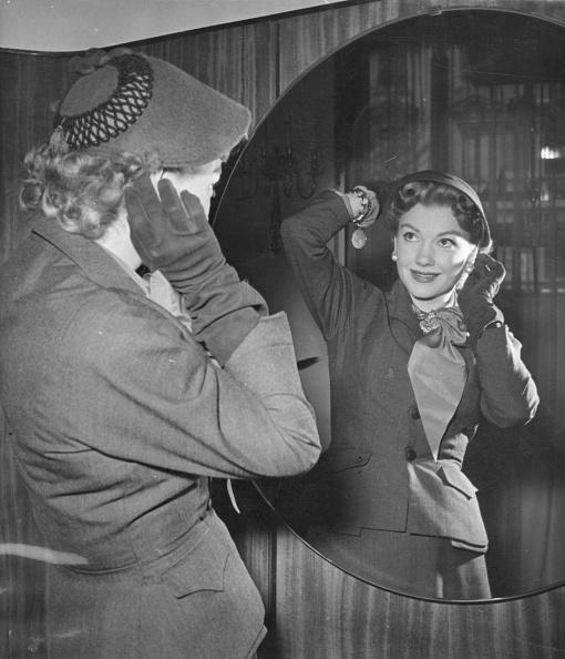 Smiling「Anne Baxter」:写真・画像(8)[壁紙.com]