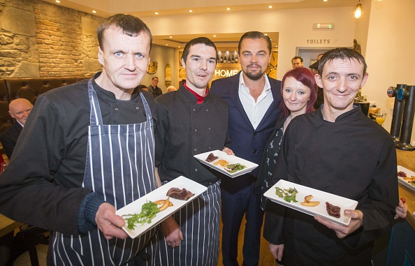 社会問題「Leonardo DiCaprio Has Lunch At The Social Bite Restaurant, Home」:写真・画像(6)[壁紙.com]