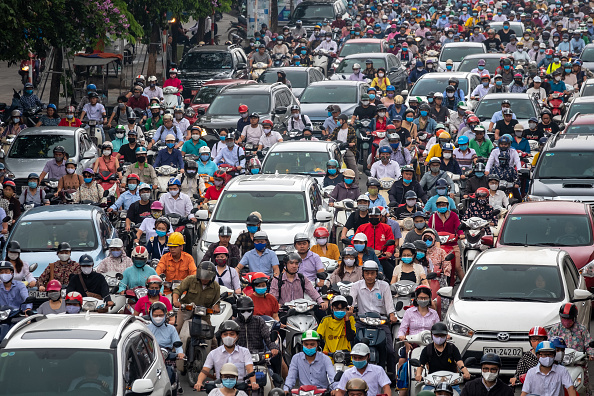 Hanoi「Vietnam Slowly Recovers From Coronavirus Outbreak」:写真・画像(6)[壁紙.com]