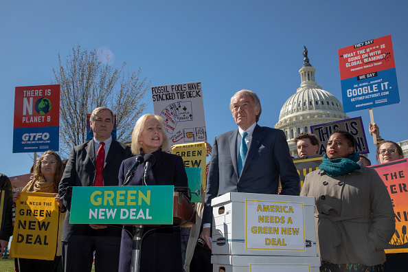 Motion「Democrat Lawmakers Hold Press Conference Calling For Climate Change Action In Congress」:写真・画像(6)[壁紙.com]