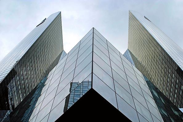 skyscraper「La defense, modern buildings, Paris, France.」:写真・画像(0)[壁紙.com]