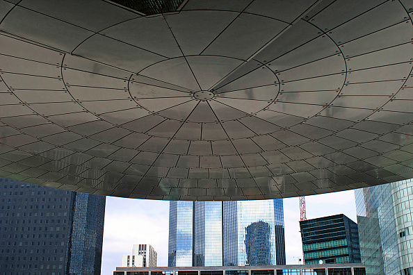 skyscraper「La defense, modern buildings, Paris, France.」:写真・画像(1)[壁紙.com]