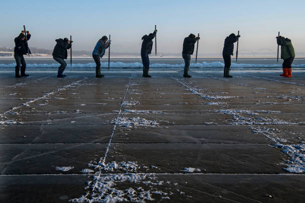 Workers In China Prepare For World's Largest Ice Festival:ニュース(壁紙.com)