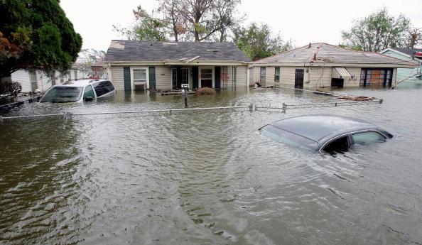 Coastline「New Orleans Feels Effects Of Hurricane Rita」:写真・画像(13)[壁紙.com]