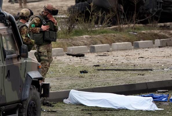 Kabul「Massive Kabul Car Bomb Targets Italian Troops Killing Sixteen」:写真・画像(17)[壁紙.com]