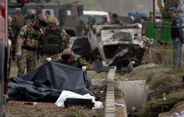 Kabul「Massive Kabul Car Bomb Targets Italian Troops Killing Sixteen」:写真・画像(18)[壁紙.com]