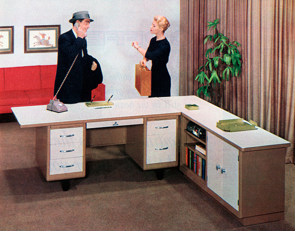 Two People「1950s Boss And Secretary」:写真・画像(3)[壁紙.com]