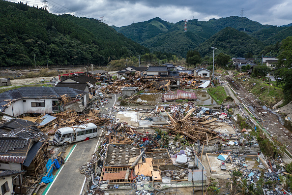 Torrential Rain「Torrential Rain Causes Widespread Flooding In Central Japan」:写真・画像(6)[壁紙.com]