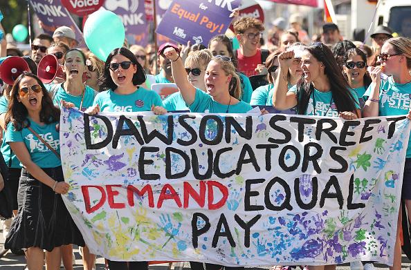 オーストラリア「Childcare Workers Walk Off The Job To Protest Low Pay On International Women's Day」:写真・画像(14)[壁紙.com]