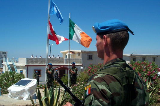 Irish Culture「Irish UN Troops Honor Fallen Comrades」:写真・画像(14)[壁紙.com]