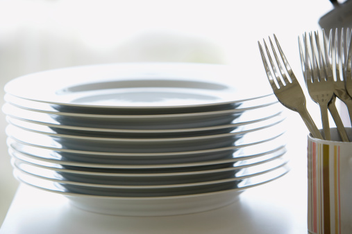 Plate「Stack of plates with forks in mug」:スマホ壁紙(6)