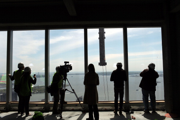 Tall - High「One World Trade Center Becomes Tallest Building In New York」:写真・画像(19)[壁紙.com]