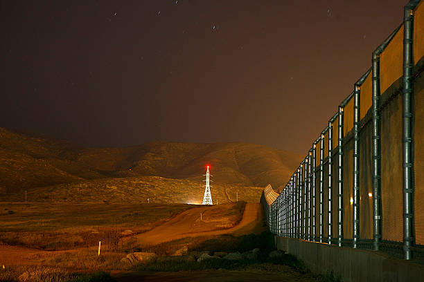 US Waives Laws To Accelerate Completion Of Border Fence:ニュース(壁紙.com)