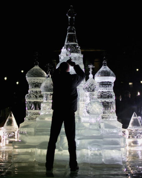 Ice Sculpture「Ice Sculpture Unveiled In Trafalgar Square」:写真・画像(10)[壁紙.com]