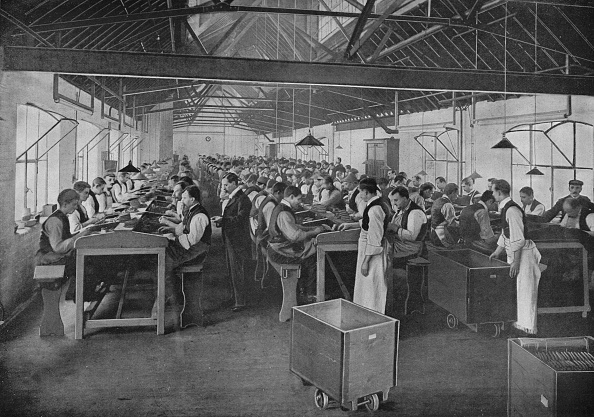 Plant「One of the cigar manufacturing departments at Salmon and Gluckstein, Ltd, London, c1870s (1903)」:写真・画像(17)[壁紙.com]
