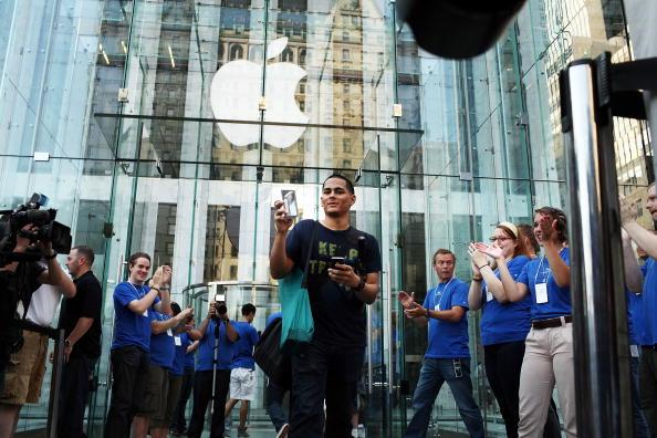 アップルストア「Apple iPhone 4 Goes On Sale」:写真・画像(13)[壁紙.com]