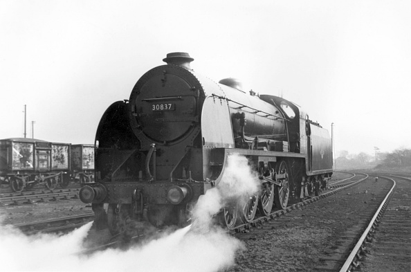 Finance and Economy「One of the last surviving  Southern Railway 515 Clan 4-6-0s in 1964.」:写真・画像(10)[壁紙.com]