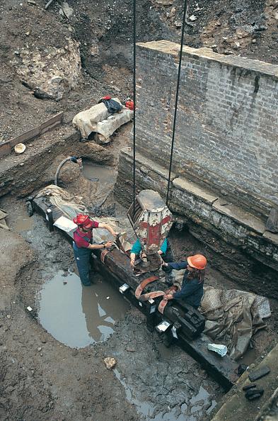 Archaeology「Roman Amphitheatre Excavation」:写真・画像(18)[壁紙.com]