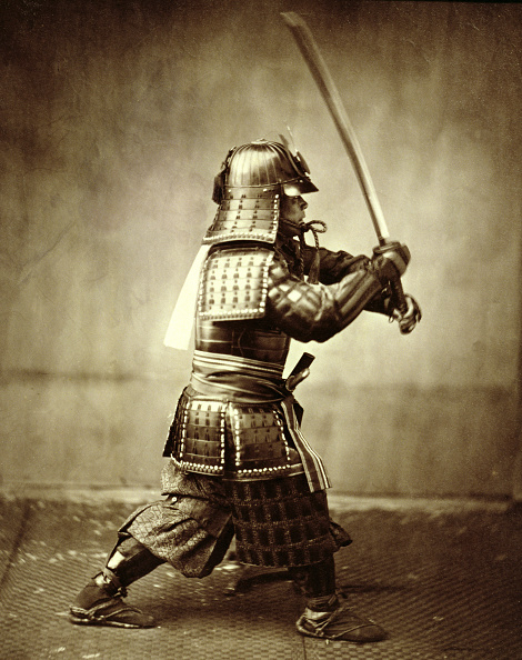 戦国武将「Samurai With Raised Sword circa 1860」:写真・画像(2)[壁紙.com]