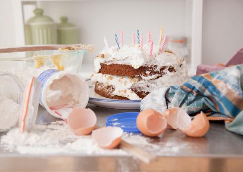 Preparation「Messy Kitchen with Homemade Birthday Cake」:スマホ壁紙(6)