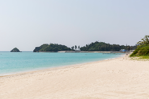 Peninsula「White Sands of Okuma Beach on Okinawa Island looking North to Akamaku Cape」:スマホ壁紙(19)