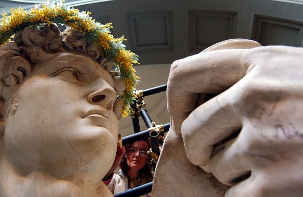 Michelangelo's David「Michelangelo's David to honor the women's day」:写真・画像(13)[壁紙.com]