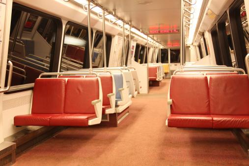 ワシントンDC「/地下鉄の通勤電車の内装、ワシントン DC」:スマホ壁紙(19)