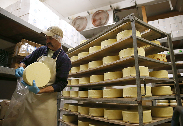Rack「FDA Issues Rule Clarification Disallowing Common Artisan Cheese Making Practice Of Aging  On Wood」:写真・画像(8)[壁紙.com]