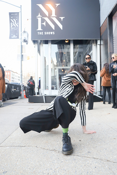Achim Aaron Harding「Street Style - New York Fashion Week February 2019 - Day 3」:写真・画像(10)[壁紙.com]