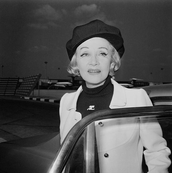 Beret「Marlene Dietrich」:写真・画像(16)[壁紙.com]