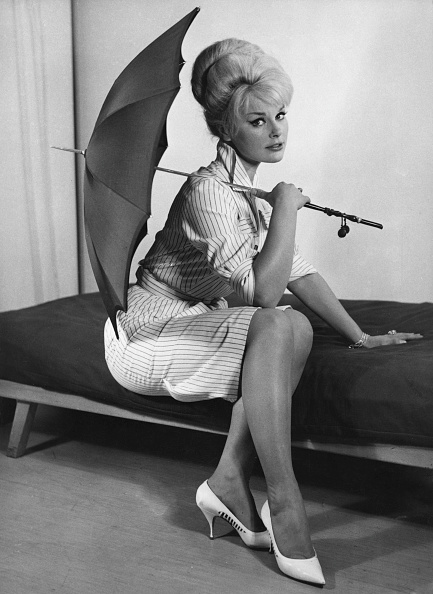 Umbrella「Elke Sommer」:写真・画像(18)[壁紙.com]
