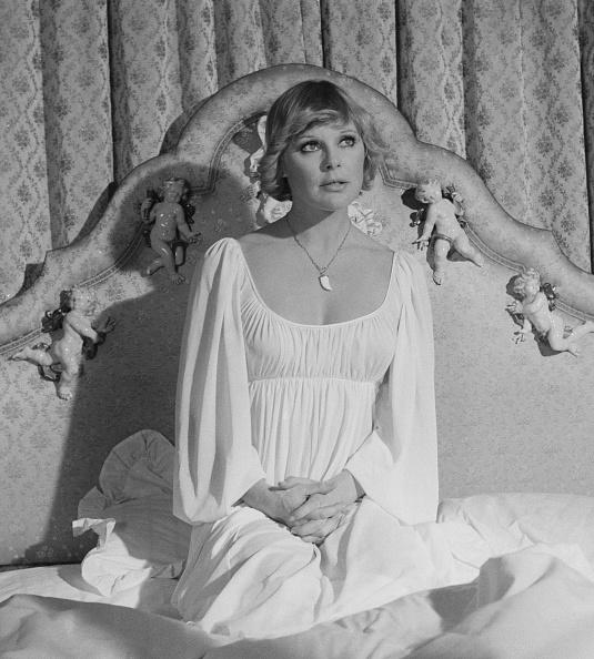 Home Decor「Elke Sommer」:写真・画像(18)[壁紙.com]