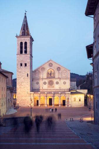 Unrecognizable Person「Spoleto Cathedral at dusk, Umbria Italy」:スマホ壁紙(9)