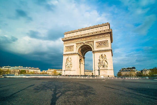 Tthe Arc de Triomphe, Paris:スマホ壁紙(壁紙.com)