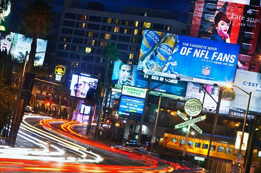 Hollywood - California「Sunset Boulevard at dusk.」:スマホ壁紙(17)