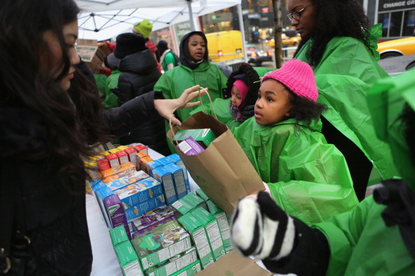 Cookie「Girl Scouts Sell Cookies From Street Trucks In New York City」:写真・画像(10)[壁紙.com]