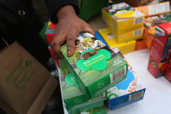 Cookie「Girl Scouts Sell Cookies From Street Trucks In New York City」:写真・画像(3)[壁紙.com]
