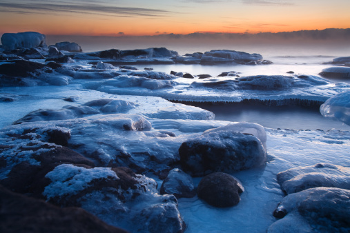 Great Lakes「Icy Lake Superior shoreline in late January.」:スマホ壁紙(2)