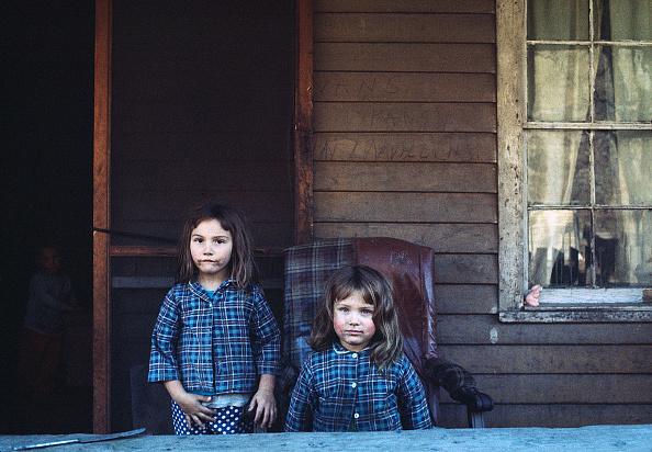上半身「The Poor of Pike County」:写真・画像(12)[壁紙.com]