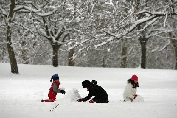 雪だるま「Heavy Snow Falls Across United Kingdom」:写真・画像(11)[壁紙.com]