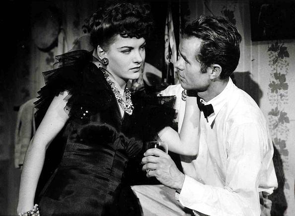 Alan Henderson「Zeuge Gesucht, Phantom Lady」:写真・画像(1)[壁紙.com]