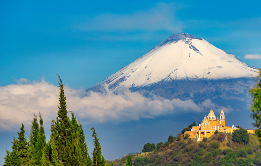 Volcano「Popocatepetl volcano in Mexico」:スマホ壁紙(12)