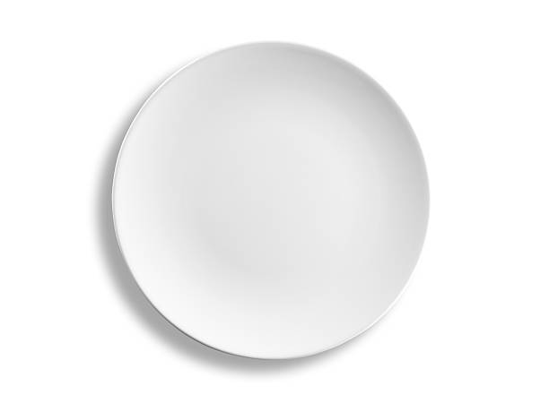 Empty round dinner plate isolated on white background, clipping path:スマホ壁紙(壁紙.com)