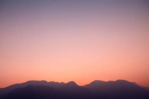 Sunset「illistrative mountains at sunset」:スマホ壁紙(7)