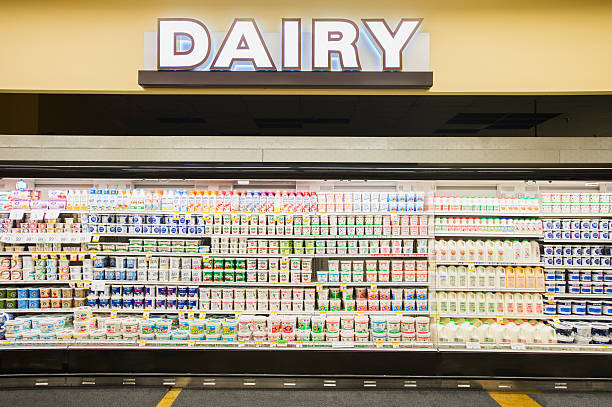 Dairy section of grocery store:スマホ壁紙(壁紙.com)